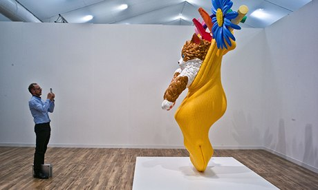 Jeff Koons' Cat on a clothes line (yellow), 1994-2001