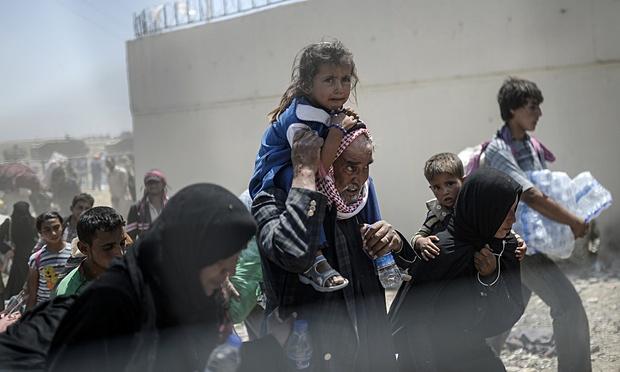 aaTOPSHOTS-Syrians-fleeing--009